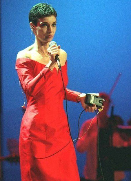 656995-sinead-o-connor-a-londres-le-10-637x0-3-copie-1.jpg