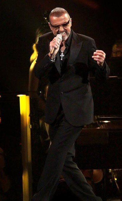 george-michael-performing-his-symphonica-tour-at_5916846.jpg