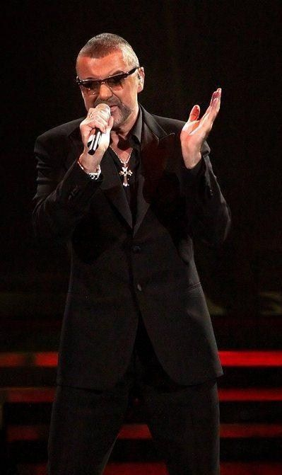 george-michael-performing-his-symphonica-tour-at_5916848.jpg