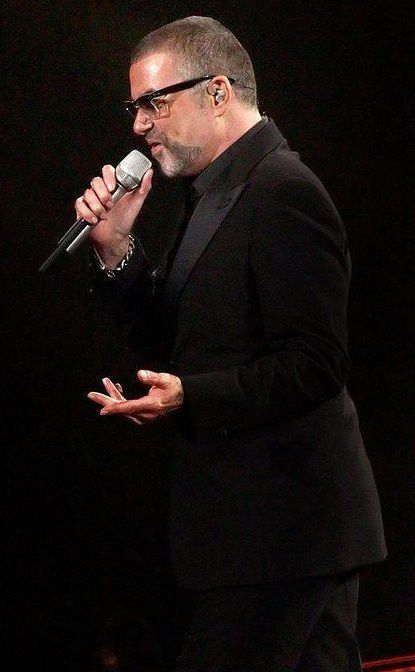 george-michael-performing-his-symphonica-tour-at_5916852.jpg