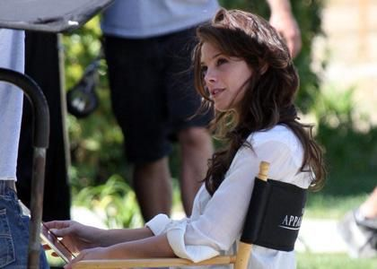 ashley-greene-apparition-seat.jpg