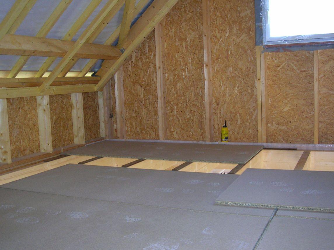 19 07 09 la pose du plancher de l 39 tage construction maison ossature bois. Black Bedroom Furniture Sets. Home Design Ideas