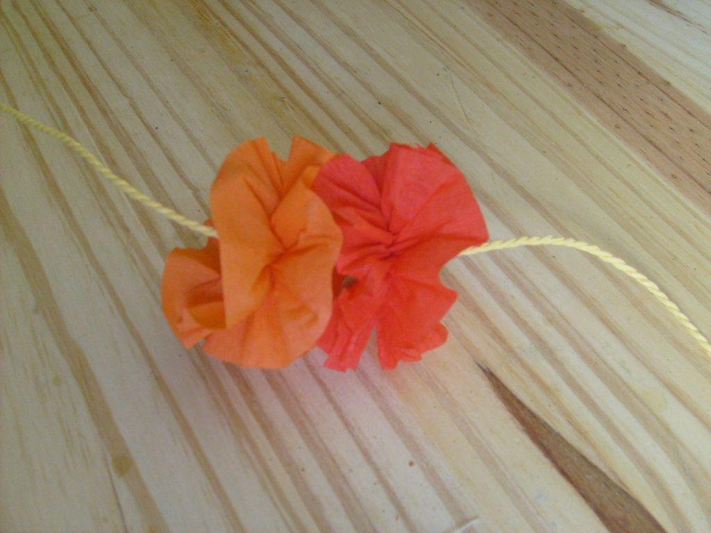 Fleur En Papier Crepon Facile A Faire dedans collier hawaiien : le tuto - le blog de marlenecreation