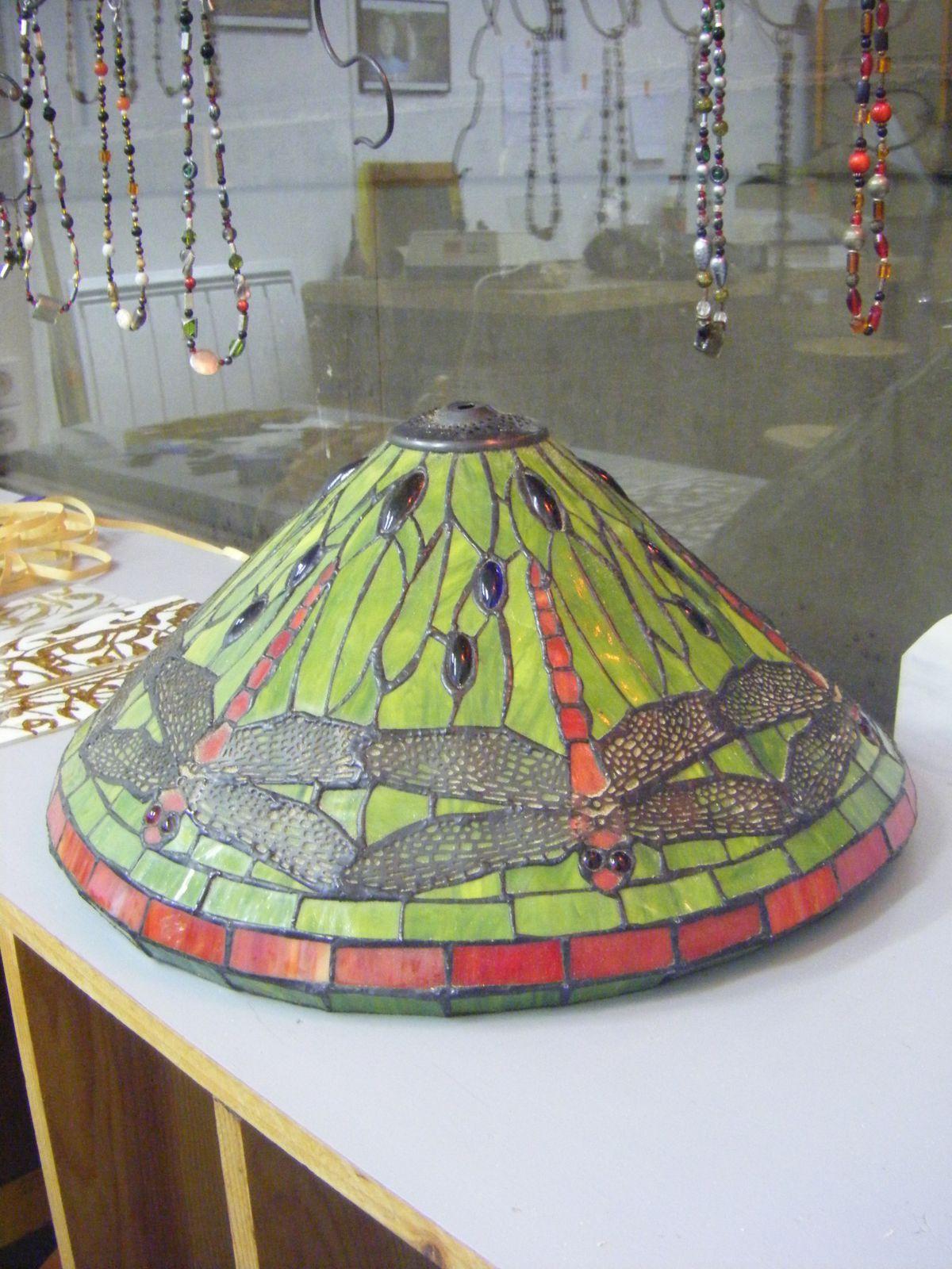 Restauration lampes tiffany le blog d 39 adriana bellamy - Lampe pipistrello copie ...