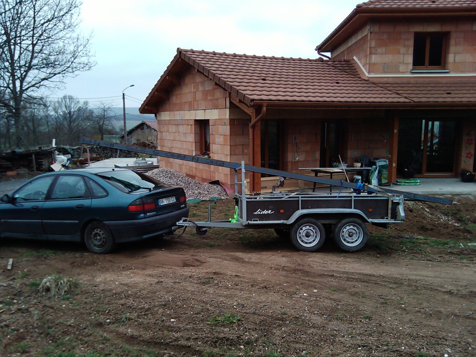 D but du garage construction de notre maison for Garage aramis auto