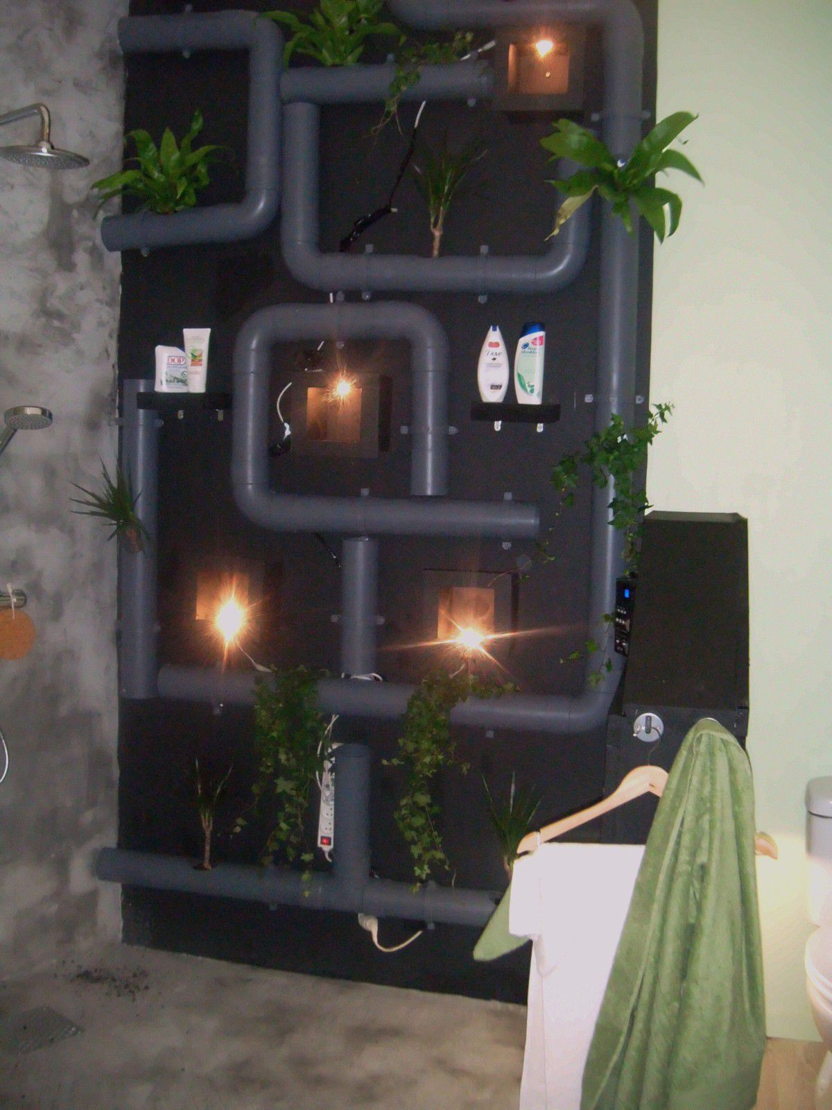 conforexpo bordeaux diy d co avec des tubes pvc. Black Bedroom Furniture Sets. Home Design Ideas