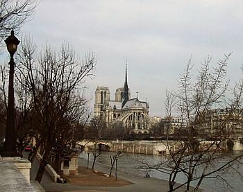 Notre Dame de Pais 00 - Photo > http://ndparis.free.fr/