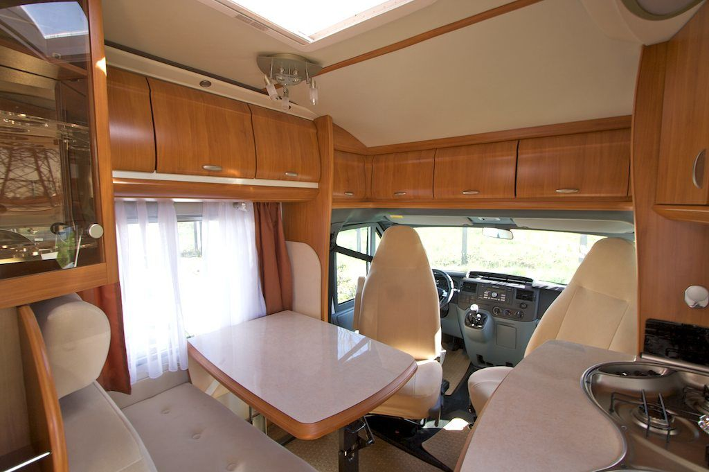 Int rieur d un camping car profil photos le blog de for Amenagement interieur camping car