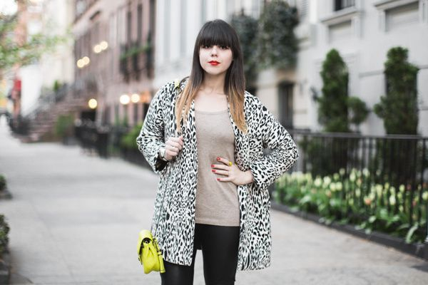 animal-print-black-and-white-coat-zara---PAULINEFASHIONBLOG.jpg