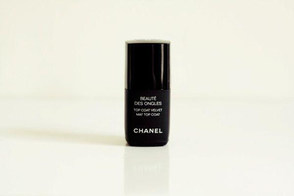 1-vernis-chanel-nails-top-coat-mat-velvet.jpg