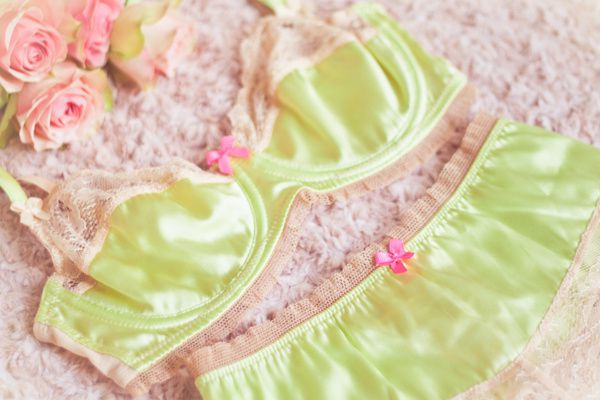 photo-lingerie-paulinefashionblog.com-lemoncurve-p-copie-2.jpg