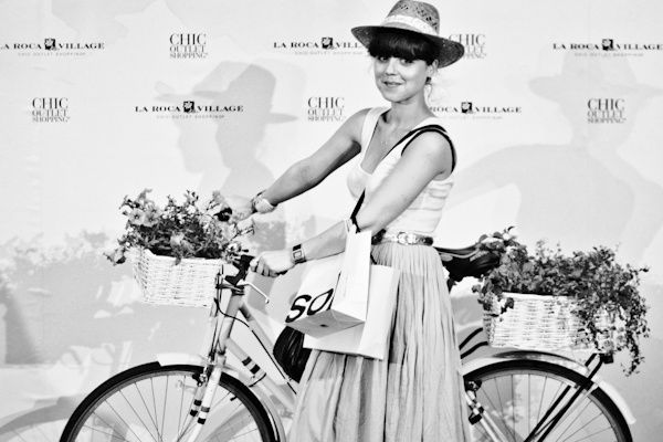 chic summer photocall la roca village BARCELONA © paulinef