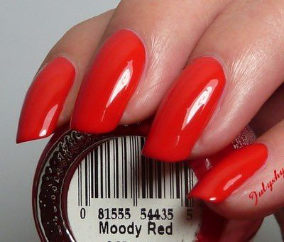 Moody Red 4
