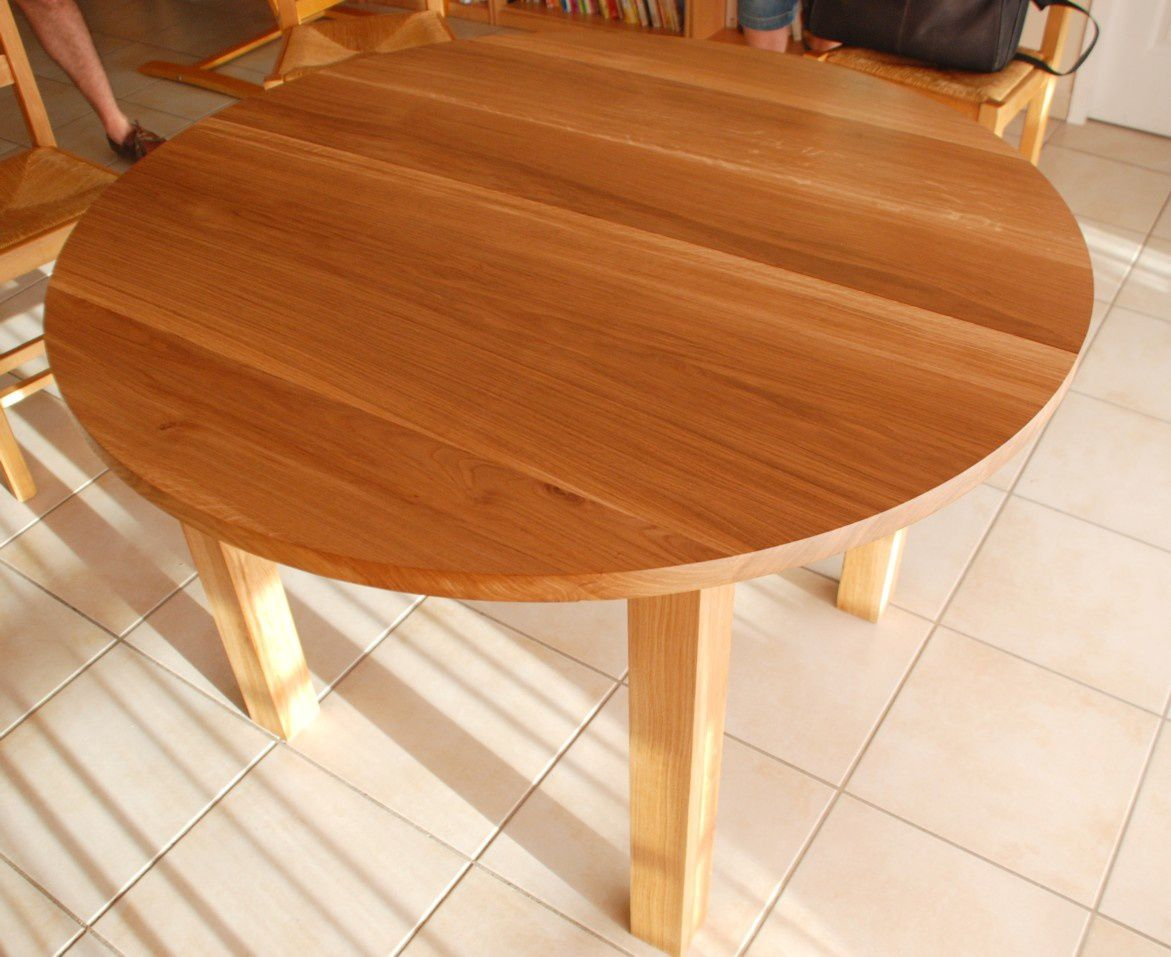 Table ronde contemporaine en ch ne huil atelier for Table ronde bois avec rallonge
