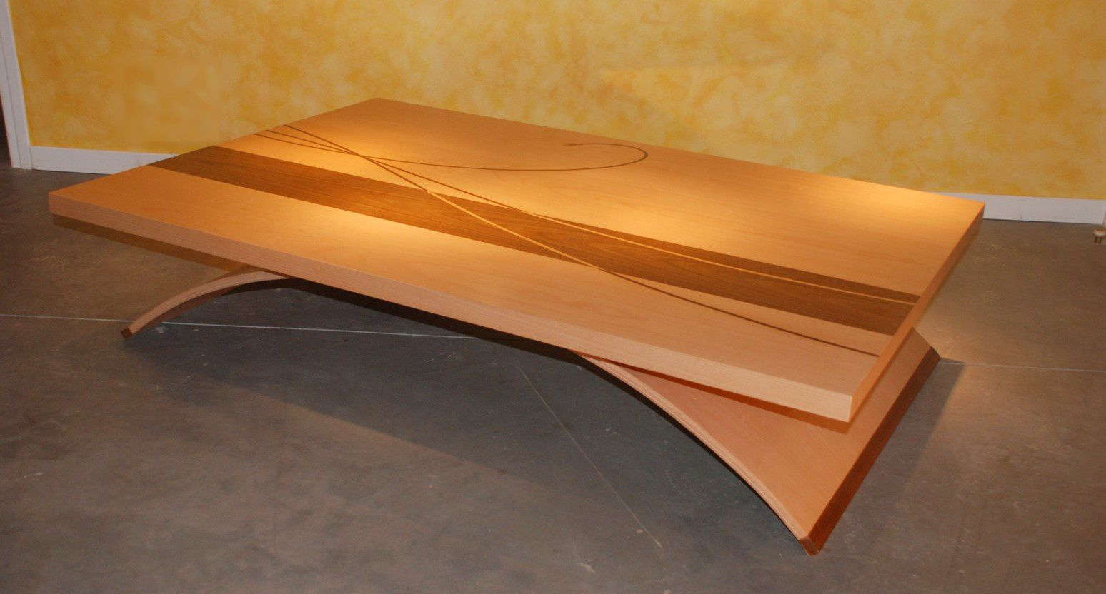 Table basse design arc atelier pourquoi pas mobilier design sur mesures - Table basse contemporaine ...