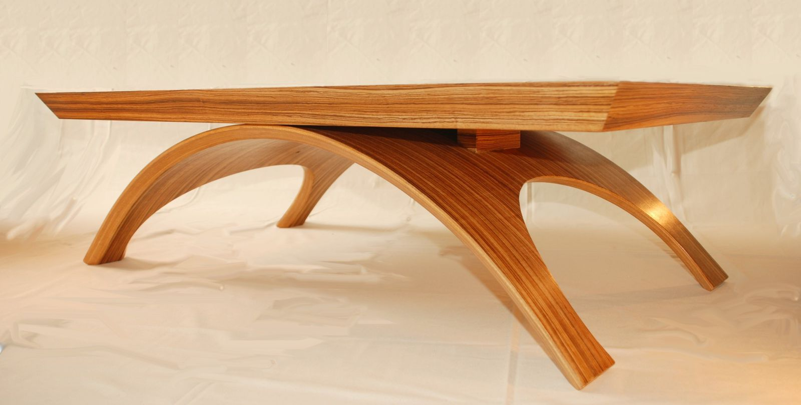 table basse contemporaine zebrano atelier pourquoi pas mobilier design sur mesures