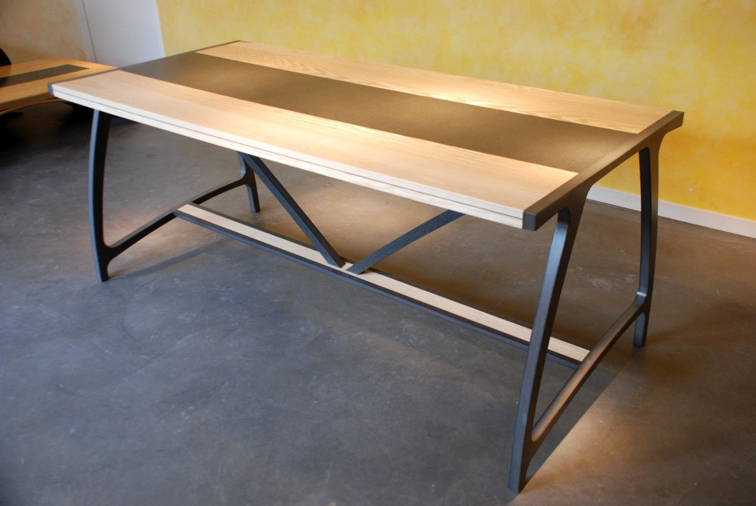 Table salle manger teck design for Table de salle a manger teck