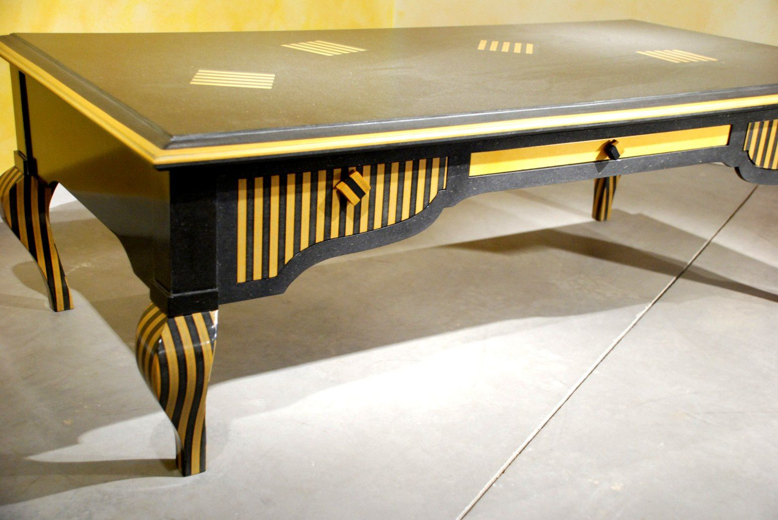 Table basse contemporaine jaune - Table de salon contemporaine ...