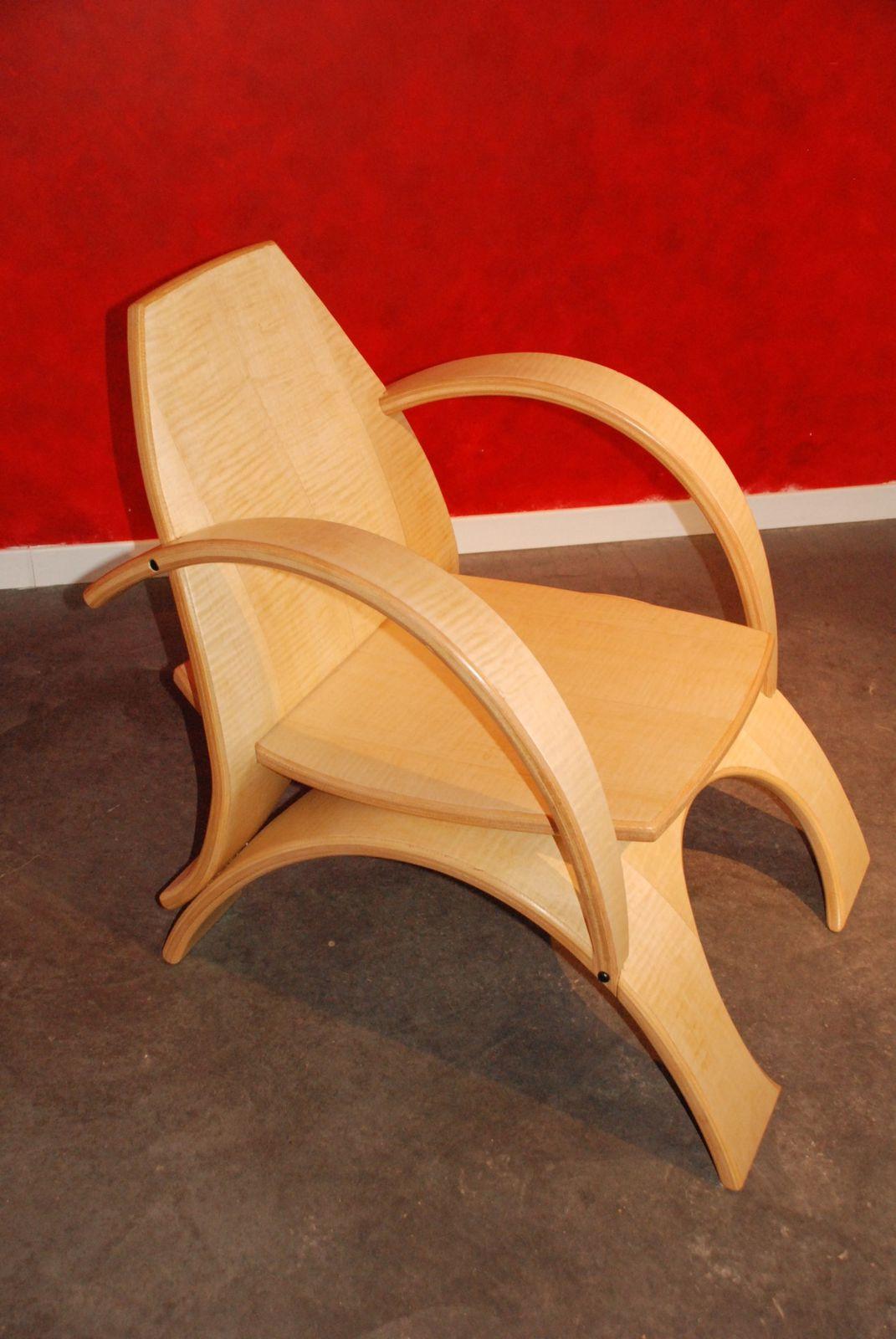 album fauteuils contemporains omega atelier pourquoi pas mobilier design sur mesures. Black Bedroom Furniture Sets. Home Design Ideas