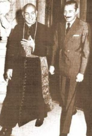 Pope-Francis--left--with-Jorge-Videla.jpg