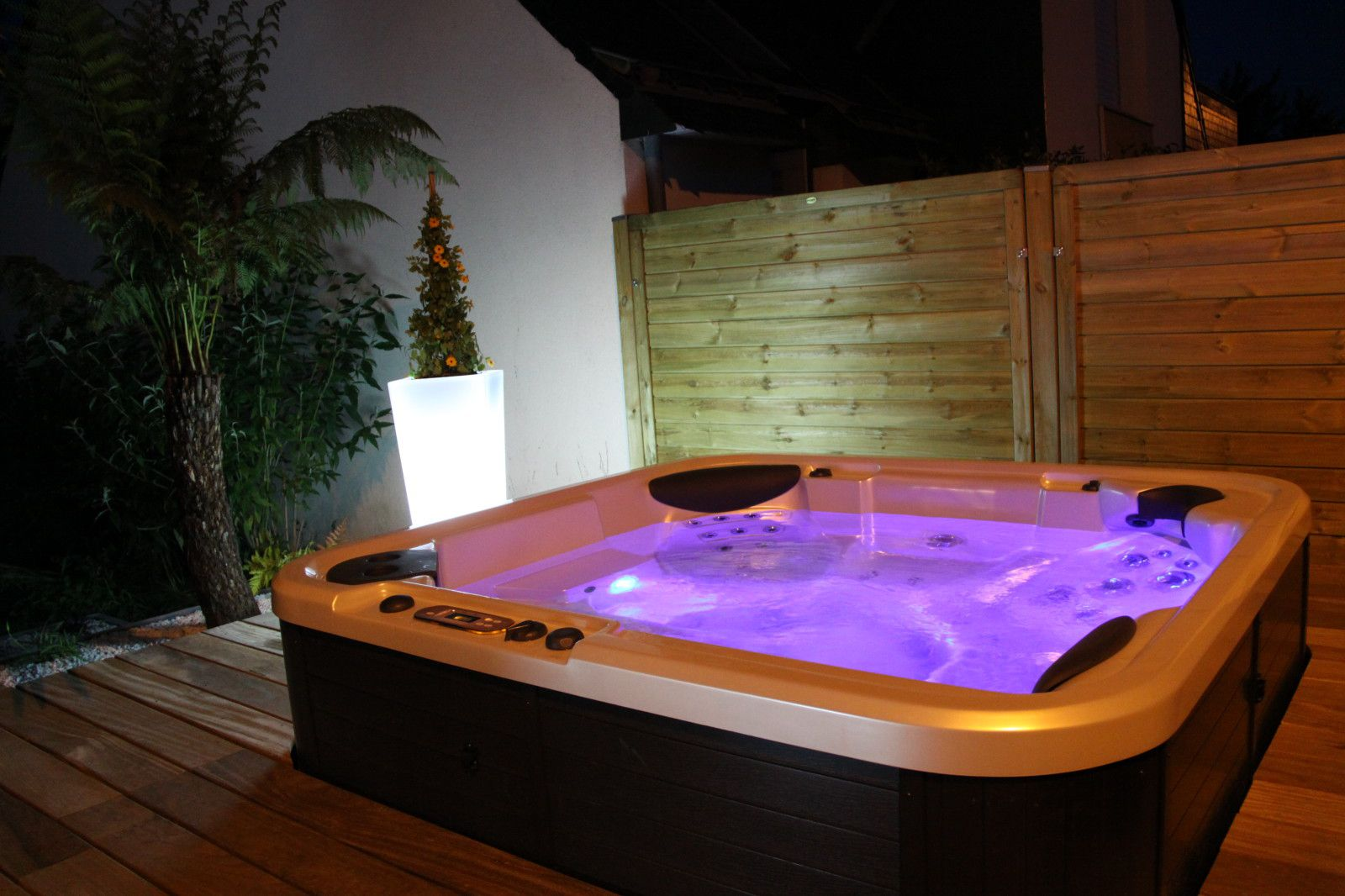 jacuzzi terrasse bois sh67 jornalagora. Black Bedroom Furniture Sets. Home Design Ideas