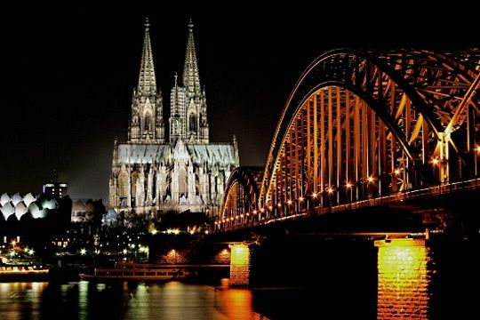 perspective-cologne-513448.jpg