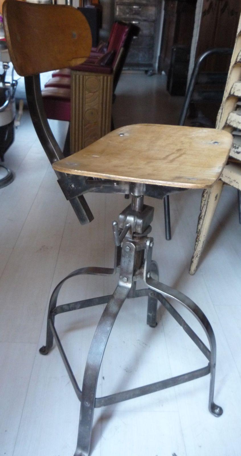 chaise bienaise atelier industriel loft 1950 mettetal industry design industriel du 20eme siecle. Black Bedroom Furniture Sets. Home Design Ideas