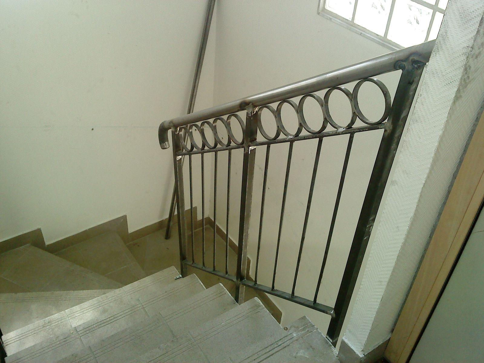 rambarde d 39 escalier int rieur sartrouville 78 le blog de jonathan. Black Bedroom Furniture Sets. Home Design Ideas