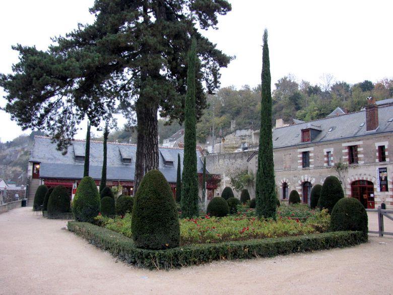 Jardin et terrasse renaissance ch teau du clos luc le for Jardin renaissance