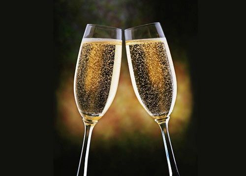 champagne-glass-drinks-wallpapers-1024x768petiterognee-c754.jpg