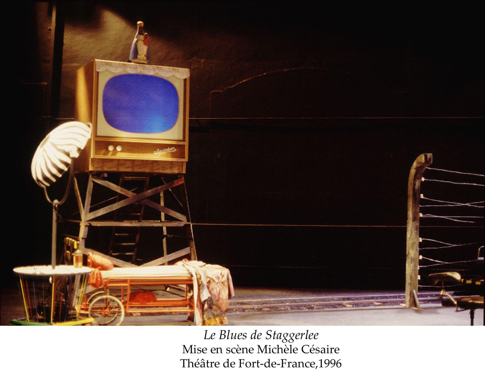 Quelques images de scénographies réalisées pour différentes créations théâtrales de 1995 à 2008, principalement en collaboration avec Michèle Césaire, dramaturge et metteur en scène, actuellement directrice du théâtre Aimé Césaire à Fort de France.