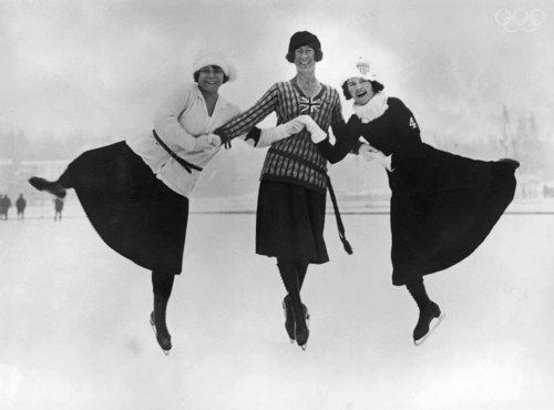 Figure-skaters-at-the-1924-Winter-Olympics-in-Chamonix--Fra.jpg