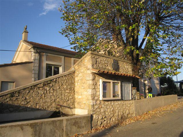 2011-10-octobre 2828-roche-sur-grane-mairie