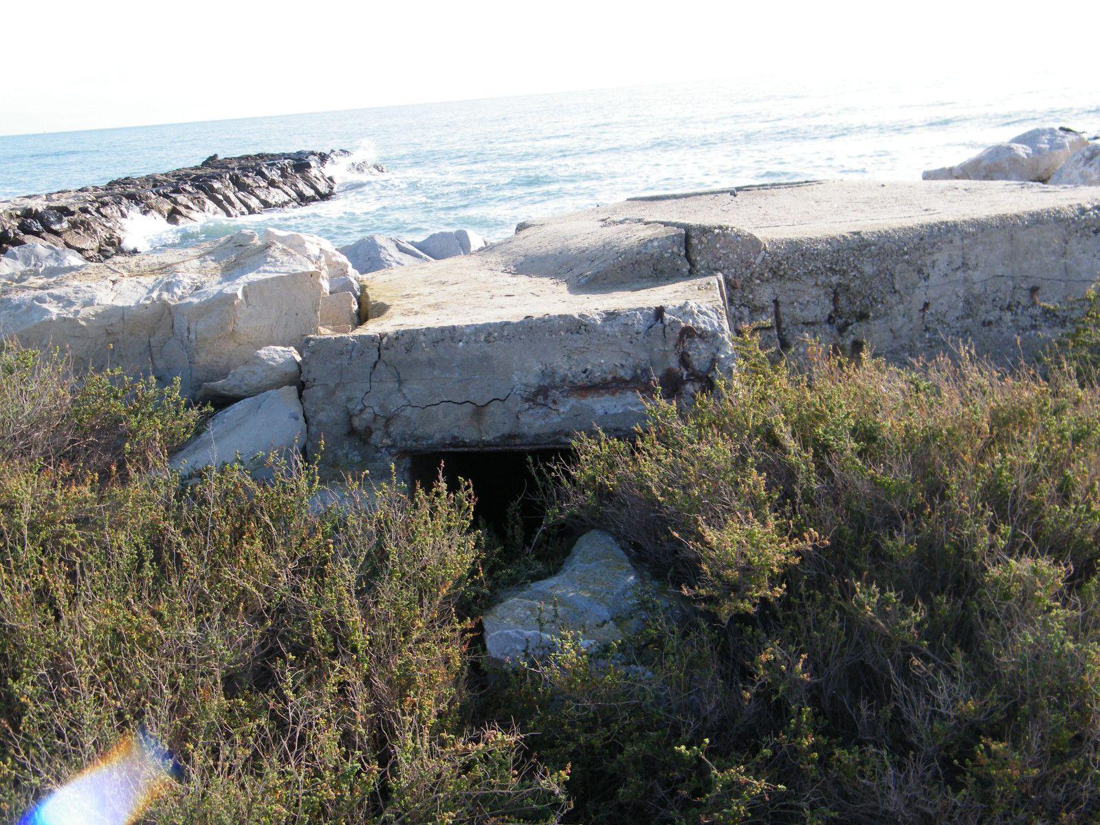 salins du midi bunkers 033
