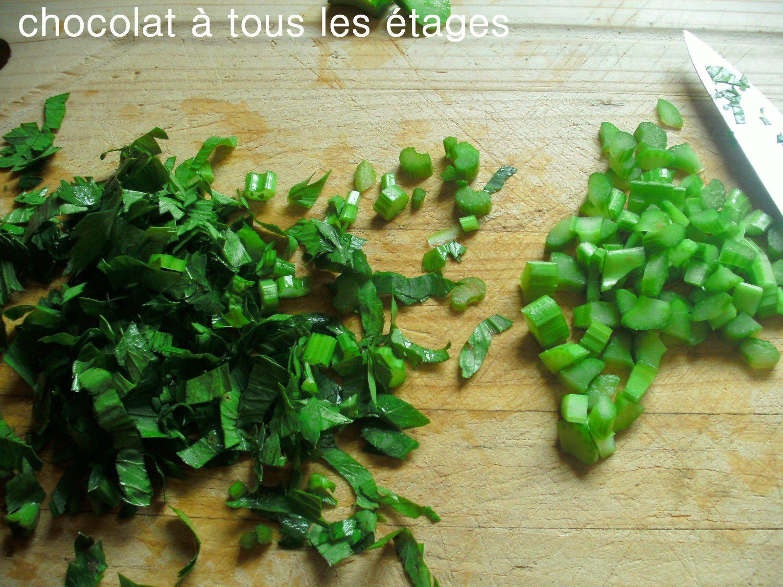 Une autre fa on de d guster les moules les moules au - Que faire avec les feuilles de celeri ...
