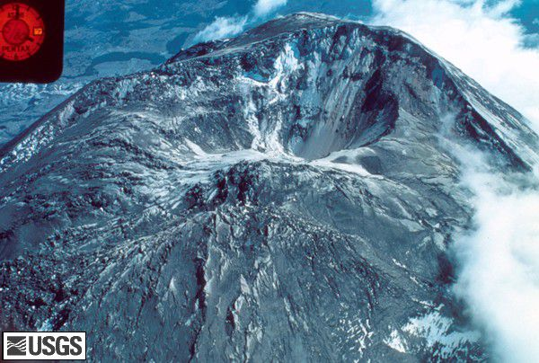 MSH80_aerial_summit_crater_from_north_05-07-80_med.jpg