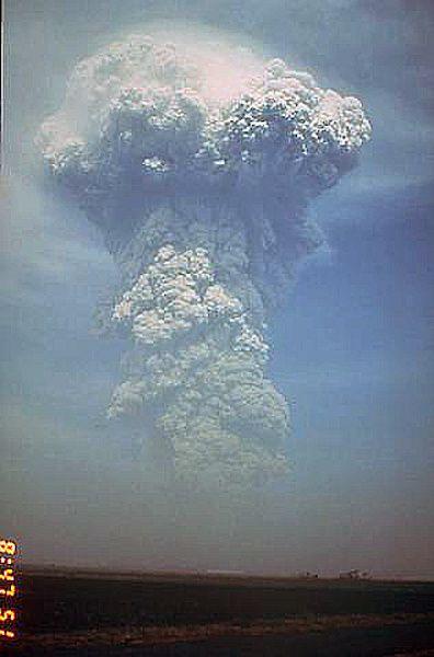 Pinatubo-13.06.1991---Rick-Hoblit-USGS.jpg