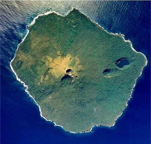 Tonga---Late--cr.-somm.-et-pit-craters---Tonga-ministry-of-.jpg