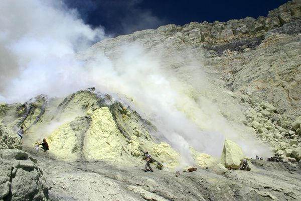 Blethrow_Ijen1-copie.jpg