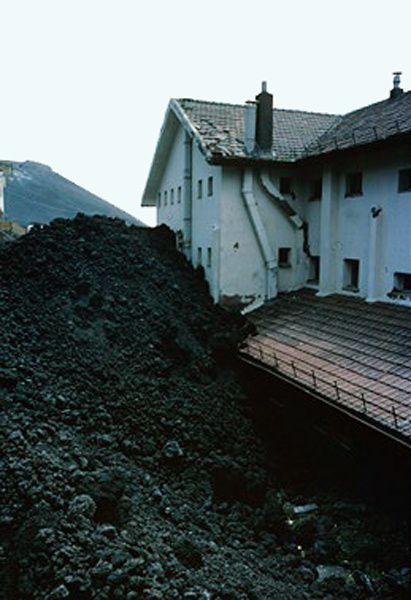 1983.06.05-Sapienza---J.Lockwood-USGS.jpg