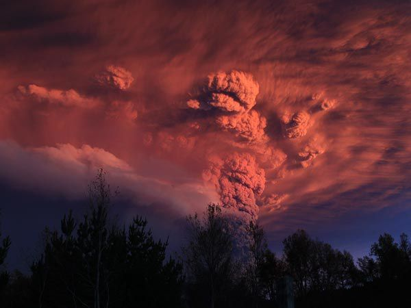 lightning-volcano-puyehue-volcanic-eruption-chile-ash-cloud