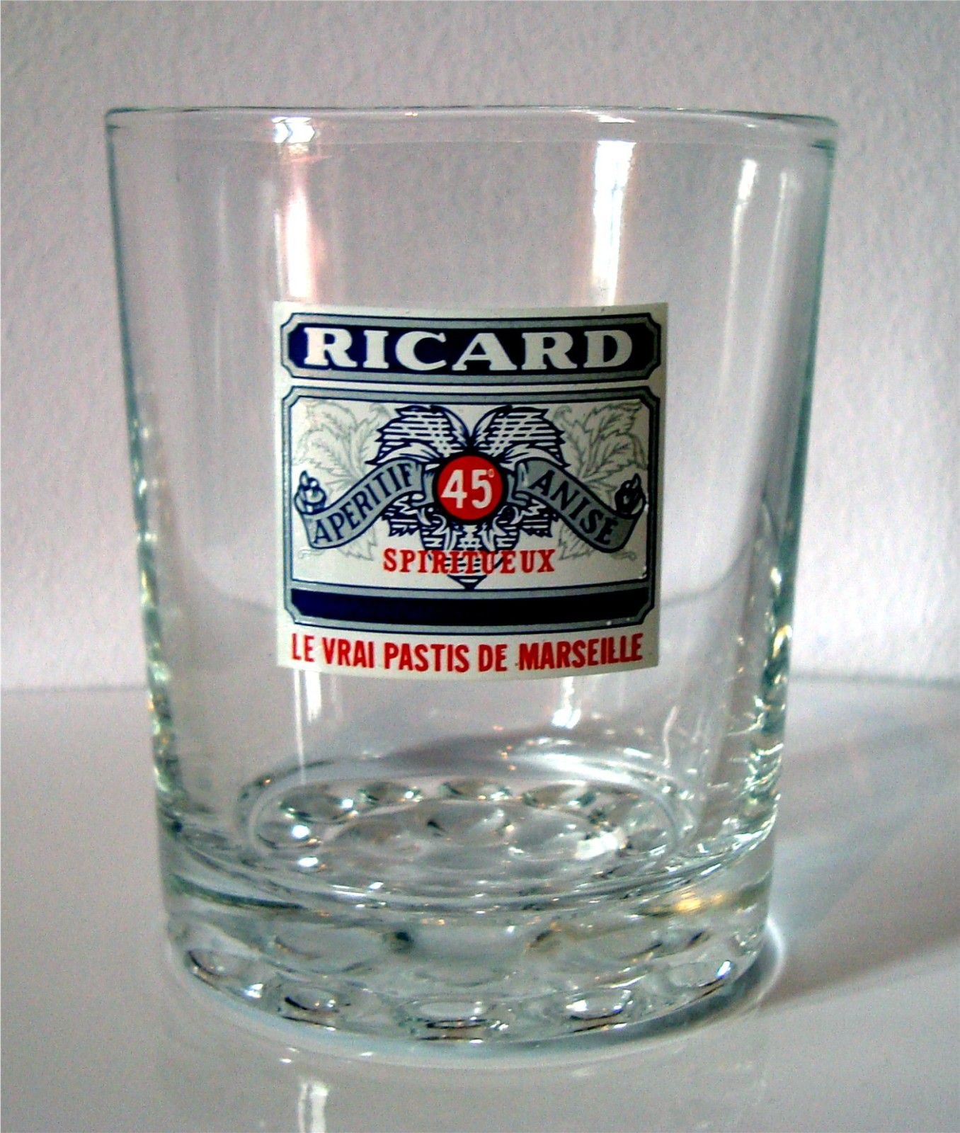 ricard verre whisky fond boule ricard le blog de. Black Bedroom Furniture Sets. Home Design Ideas