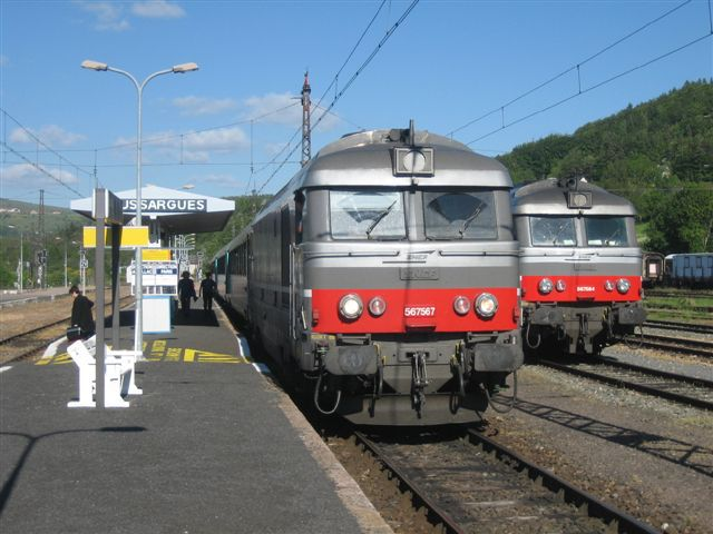 Locomotive BB 67567 à Neussargues