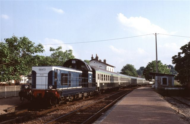 Locomotive BB 66472 à Chatel Censoir