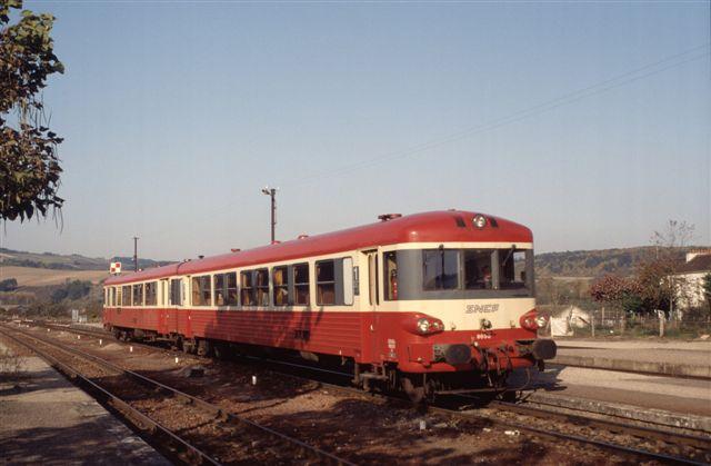 Autorail X 4650 à Cravant Bazarnes