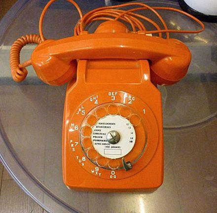 telephone-orange.jpg