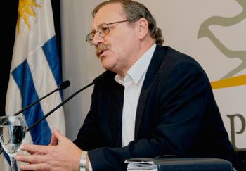 ministro-uruguayo-ricardo-ehrlich-2010-07-20-21257.jpg