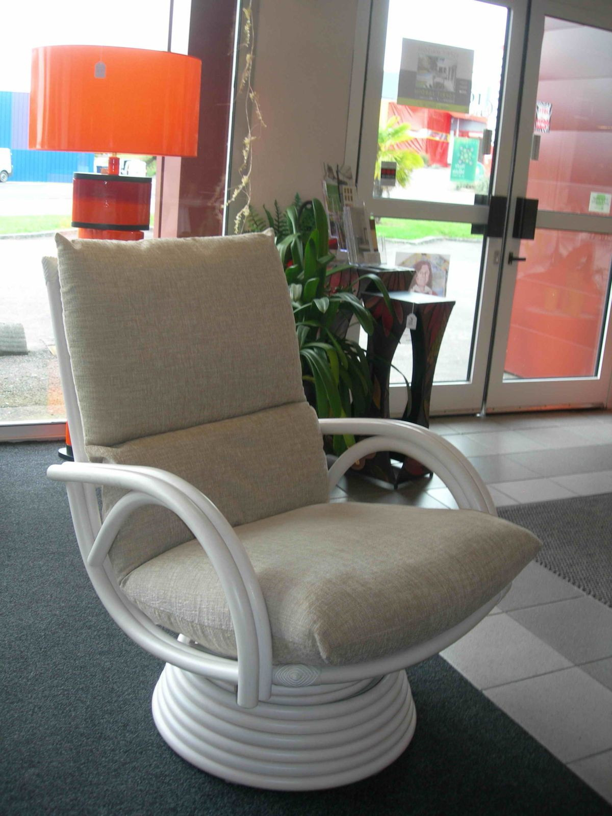 Album fauteuils rotin pivotants exodia home design for Salon en rotin interieur