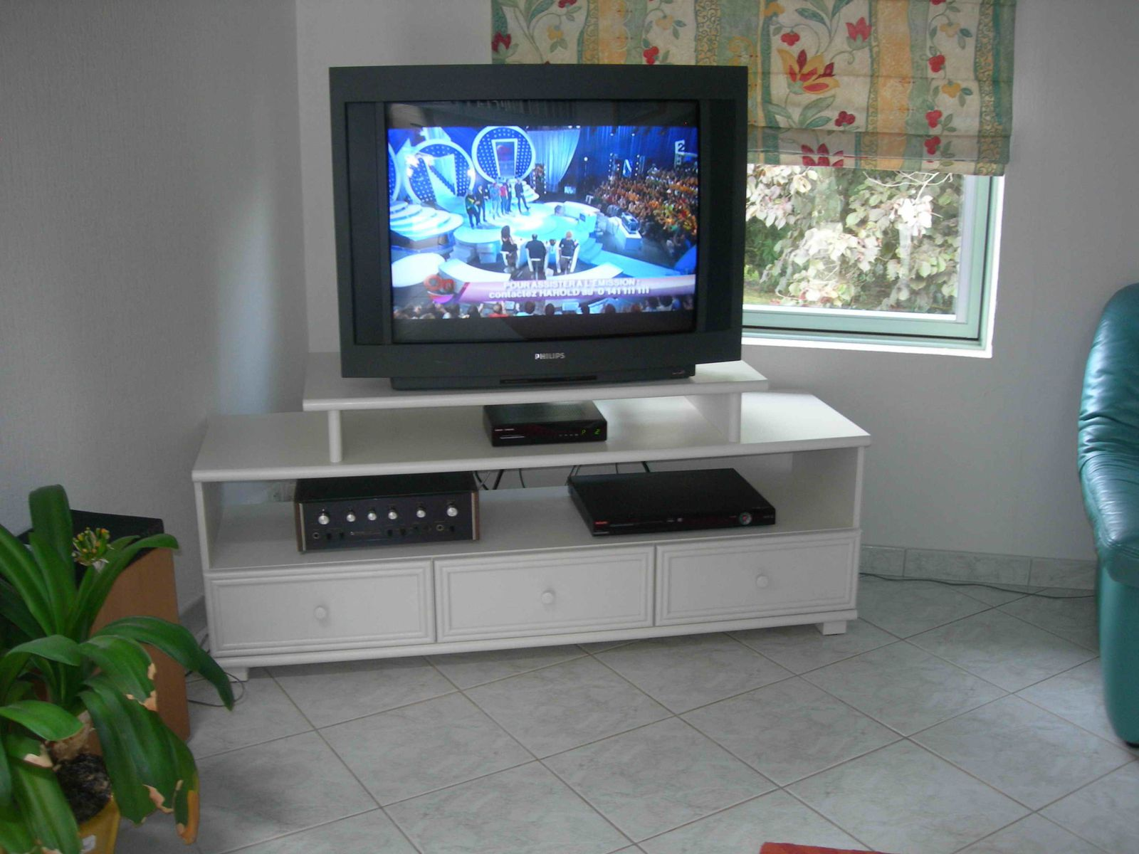 Image post meuble tv design verre image post meuble tv fly nimes image - Meuble Tv Meuble Tv Magasin Fly