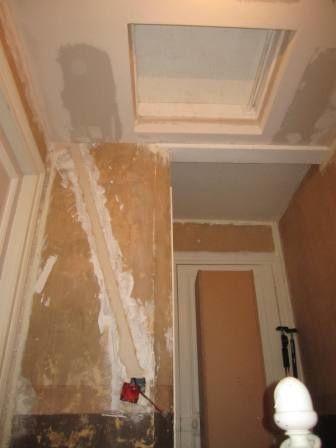 Cage d 39 escalier placo et bandes r novation d 39 une maison de ville for Peinture escalier vitrifie